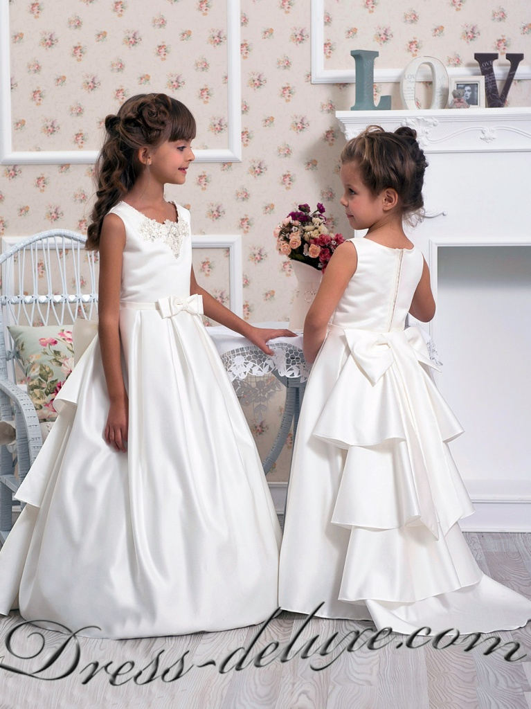 Нарядные платья для девочки со шлейфом
